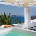 5 hotels in santorini with outdoor jacuzzi